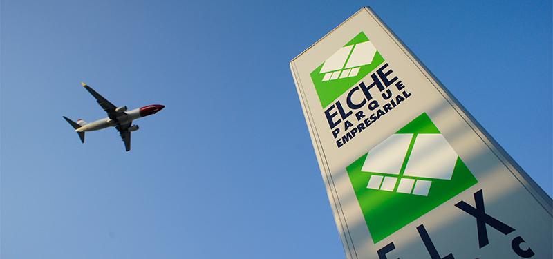 Avión y Totem Elche Parque Empresarial