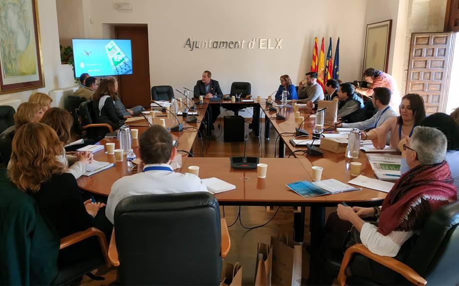Una delegación de la Mancomunidad del Camp de Túria visita Elche para conocer el modelo del Parque Empresarial