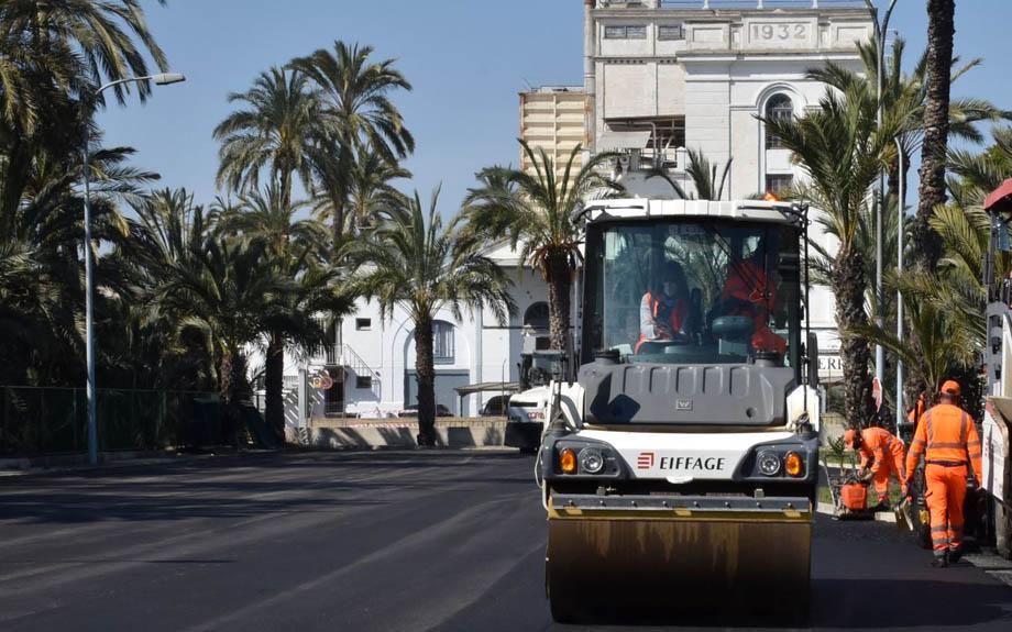 L'Estació d'Autobusos d'Elx renova el seu asfaltat.