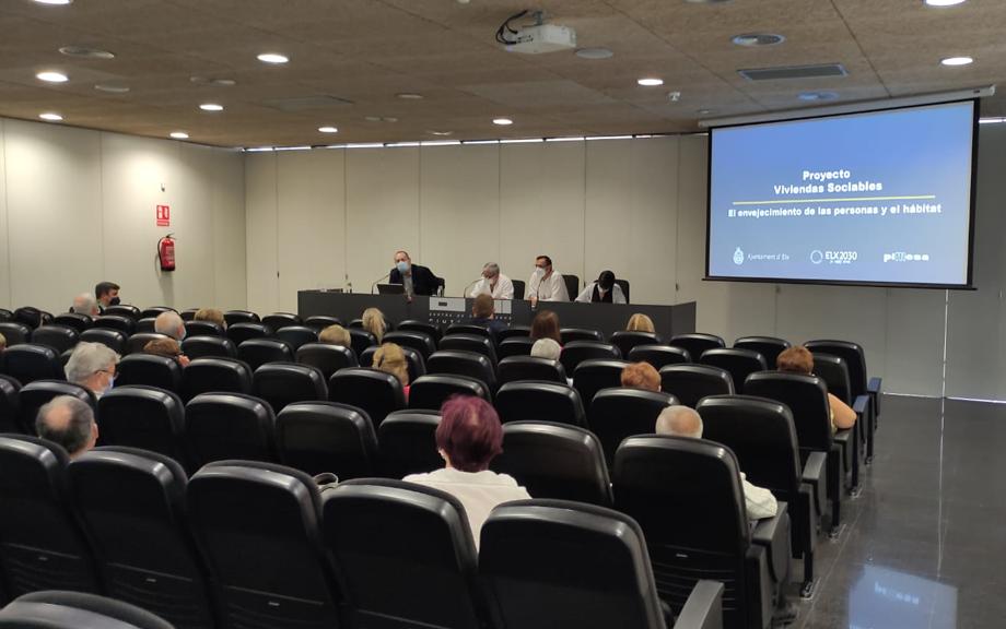 """PIMESA presenta el proyecto municipal de """"Viviendas Sociables"""" al Consejo de Mayores"""